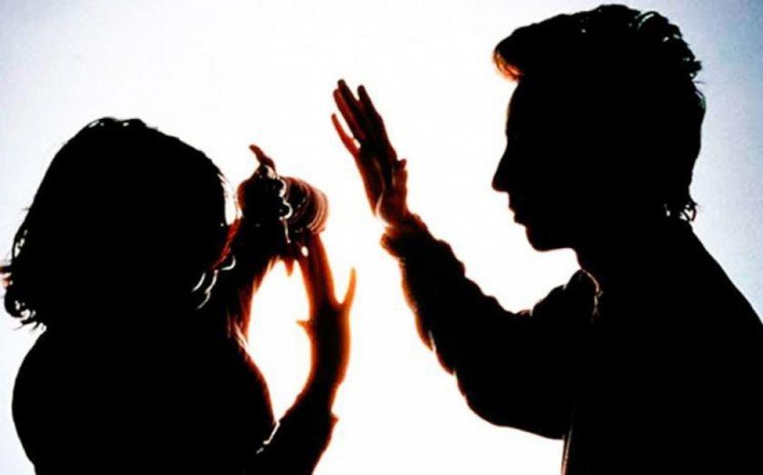 Un hombre va a prisión por golpear a su esposa