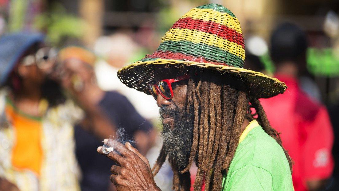 Resultado de imagen de Jamaica se está quedando sin marihuana