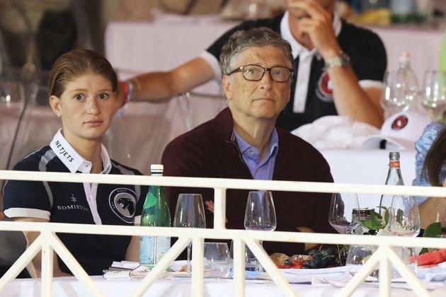 Resultado de imagen de La hija de Bill Gates se vacuna