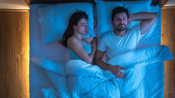 Resultado de imagen de pareja durmiendo