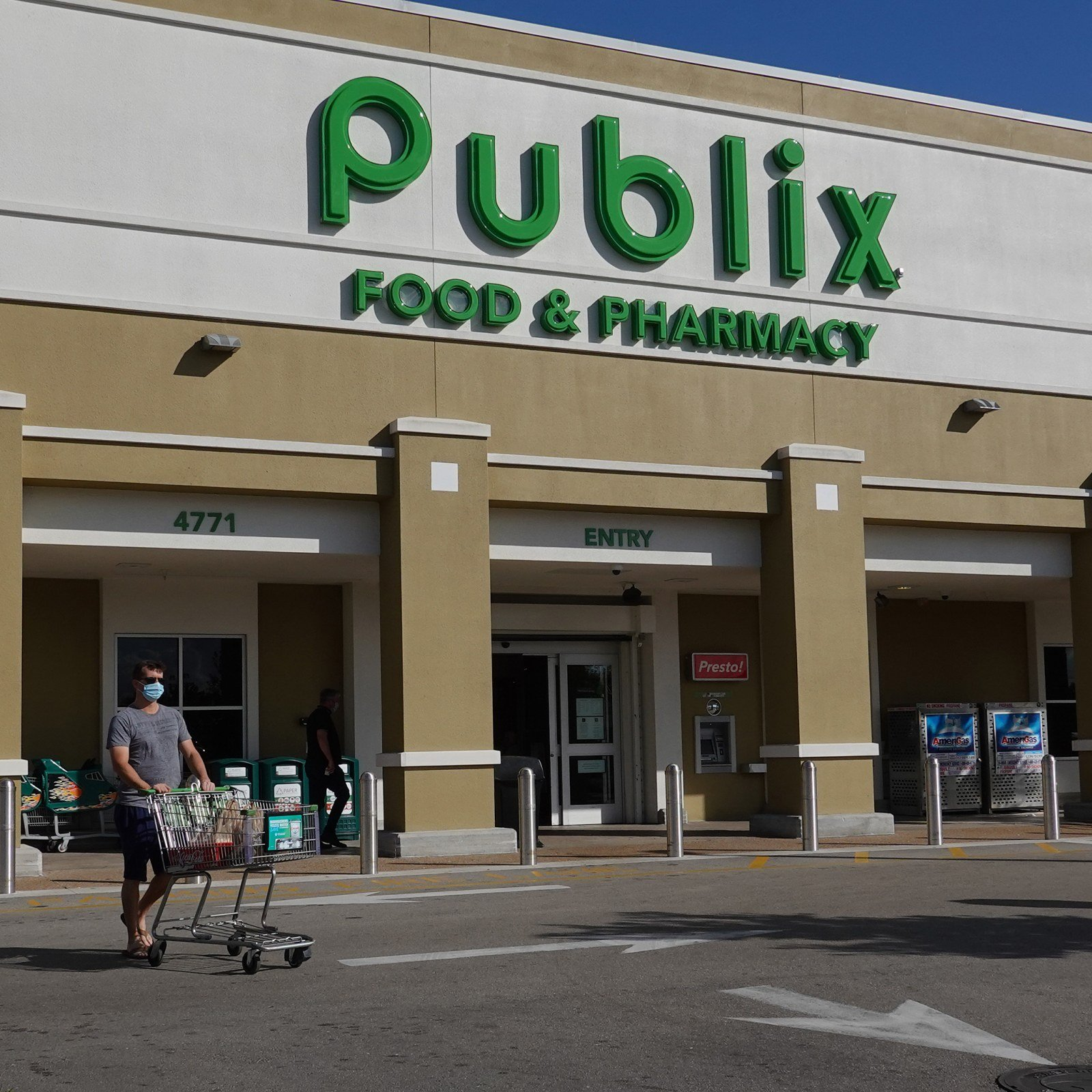 Trump-Supporting Doctor Assaults Hispanic Man Outside Publix, Police Say