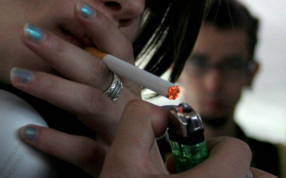 Menores de 15 años son presa del tabaquismo en el DF