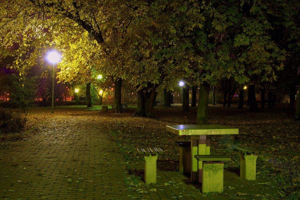Parque Por La Noche - Foto gratis en Pixabay