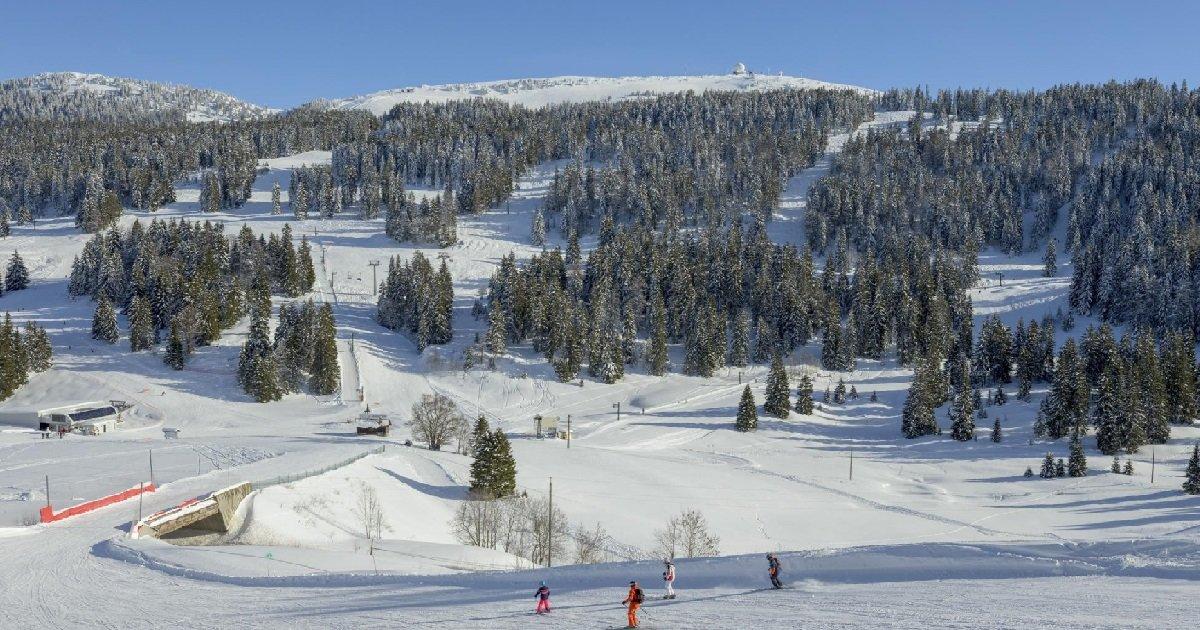 6 domaine de la dole.jpg?resize=1200,630 - Vacances d'hiver: dans le Jura, une station est ouverte et il est possible de skier