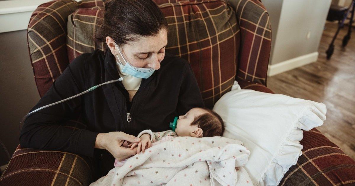 8 coma.jpg?resize=1200,630 - Après trois mois dans le coma à cause du Covid-19, une mère rencontre enfin son bébé