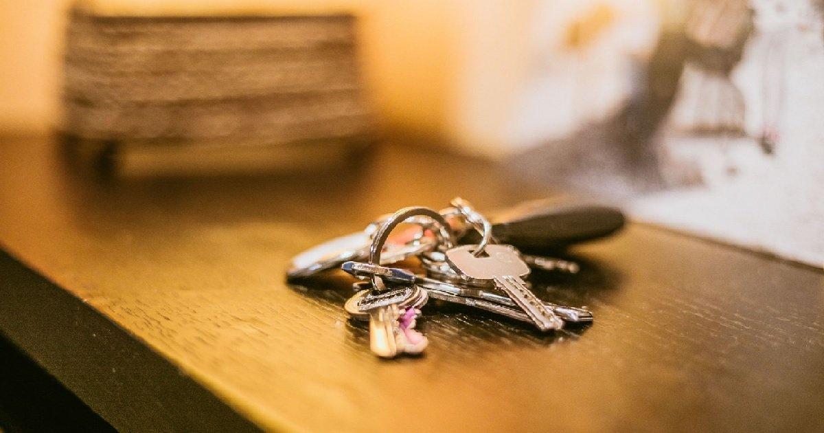 9 squatteur.jpg?resize=1200,630 - Toulouse: un retraité de 88 ans a retrouvé son logement occupé par des squatteurs