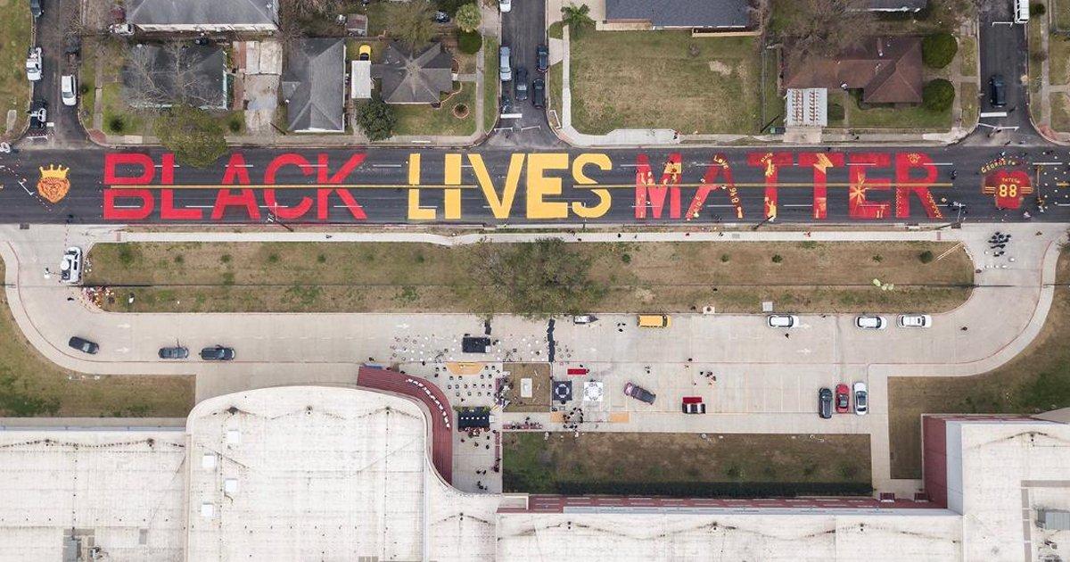 aaaaffasfsf.jpg?resize=1200,630 - Houston High School Unveils New Mural Honoring George Floyd