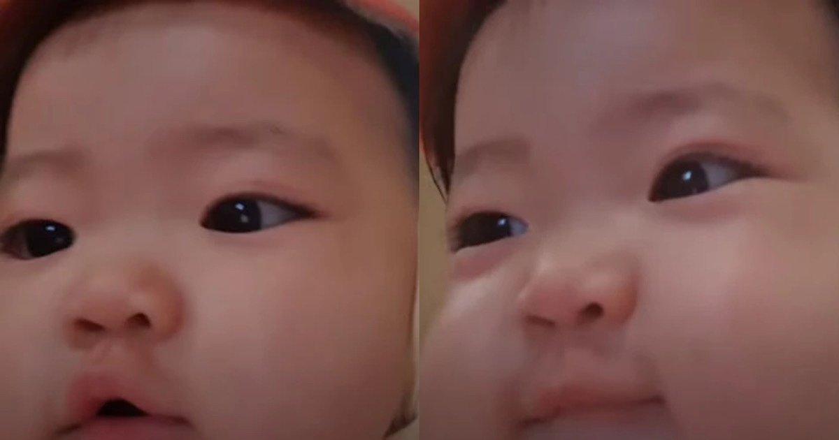 """ec9584eab8b0 1.jpg?resize=412,232 - """"한 살 아기에게 카메라를 맡겼더니.."""" 현재 반응 폭발중인 영상"""