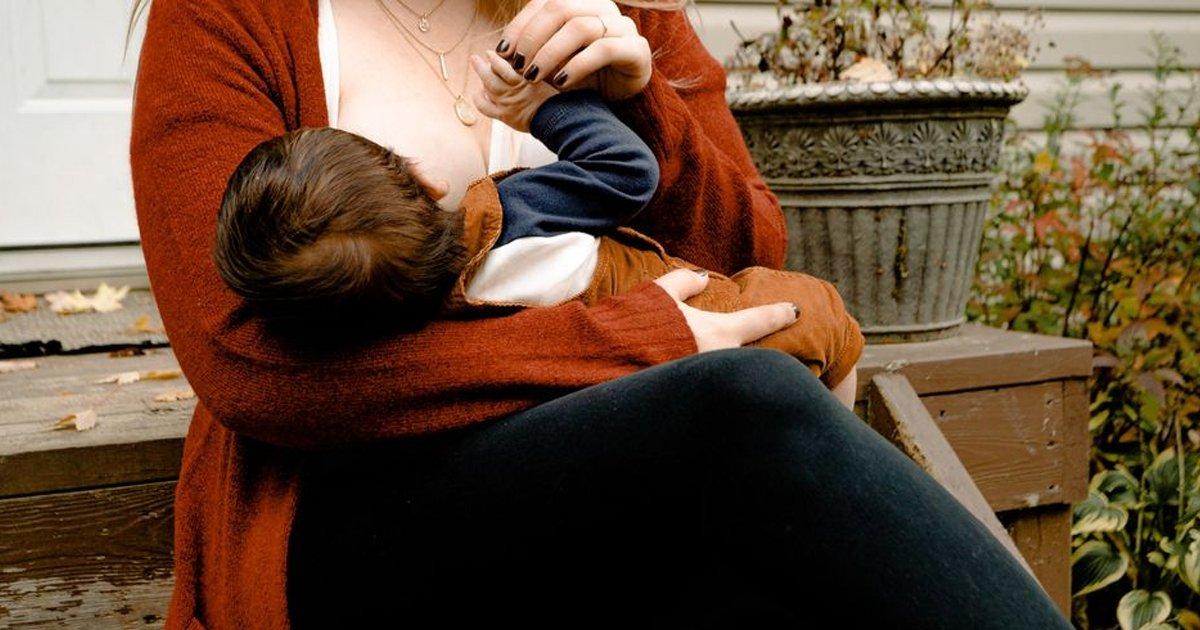 sgggsgs.jpg?resize=1200,630 - Mum Horrified After Finding Neighbor 'Secretly Breastfeeding' Her Child