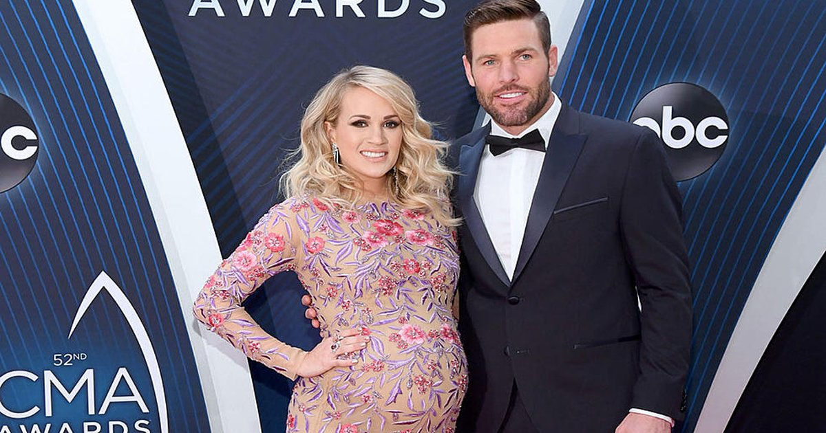 sgsggg.jpg?resize=1200,630 - Carrie Underwood's Baby Has Arrived & Fans Can't Stop Gushing At The Family Of 4