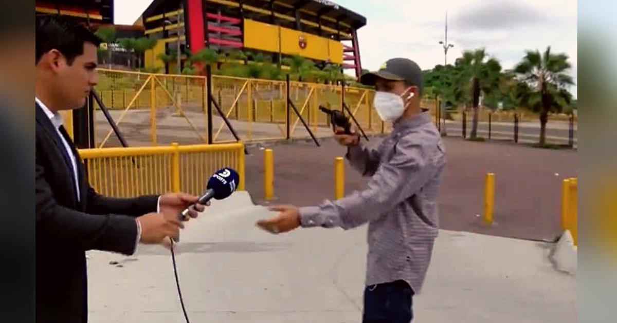 titulo 18 1.png?resize=1200,630 - Reportero Es Robado En Vivo A Punta De Pistola