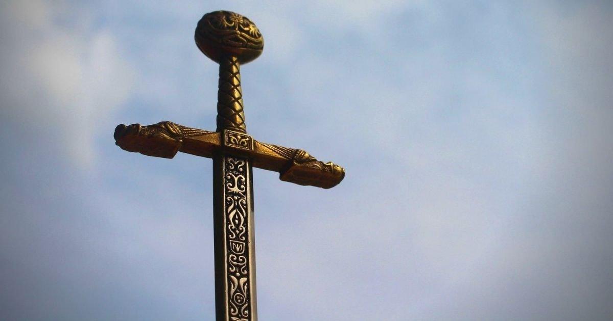 vonjour11.jpg?resize=1200,630 - Nantes : des policiers attaqués par un homme violent et armé d'une épée