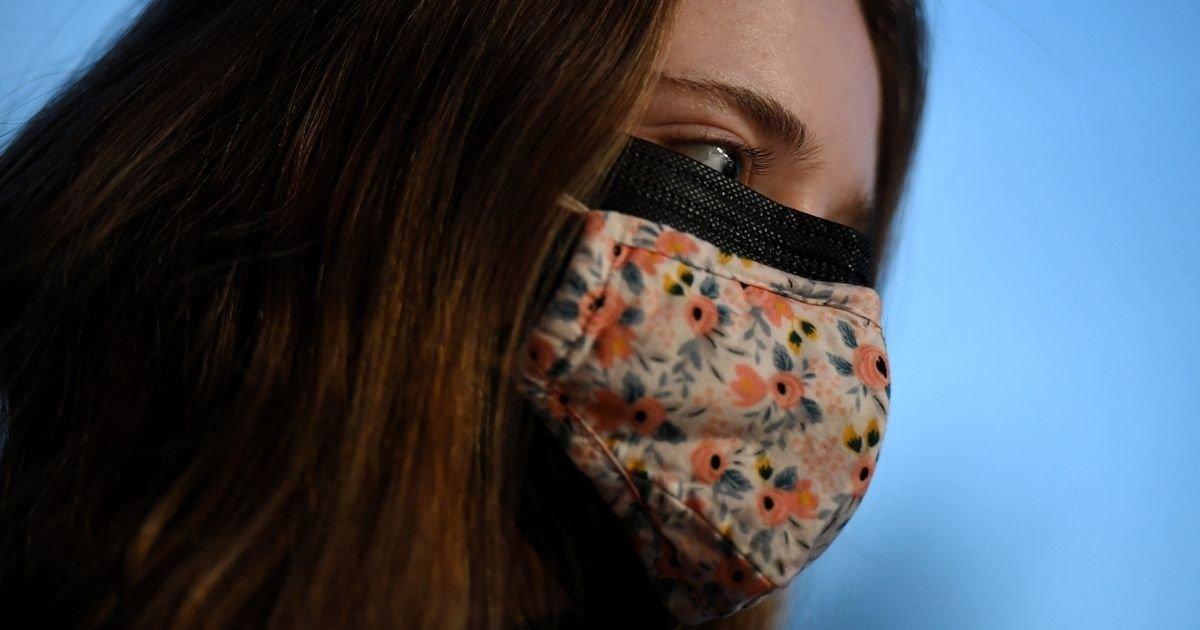 vonjour24.jpg?resize=1200,630 - Covid-19 : porter deux masques superposés offrirait plus de protection