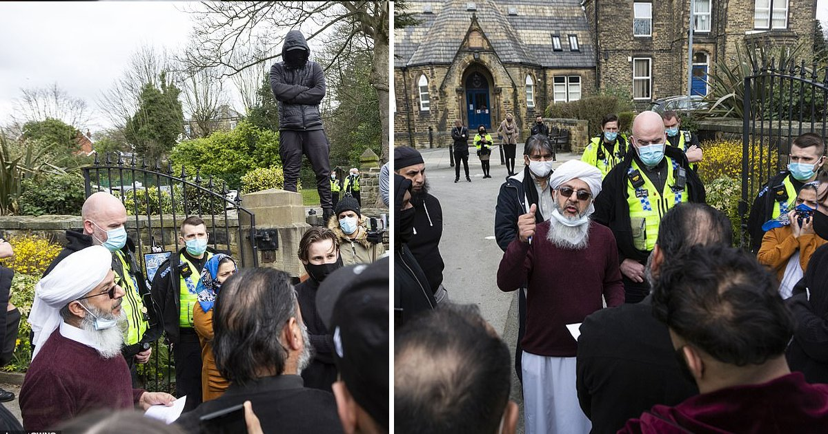 sggs.jpg?resize=1200,630 - Anger & Chaotic Scenes Outside School As Dozens Of Furious Parents Protest Against Teacher Showing Cartoons Of Prophet During Class