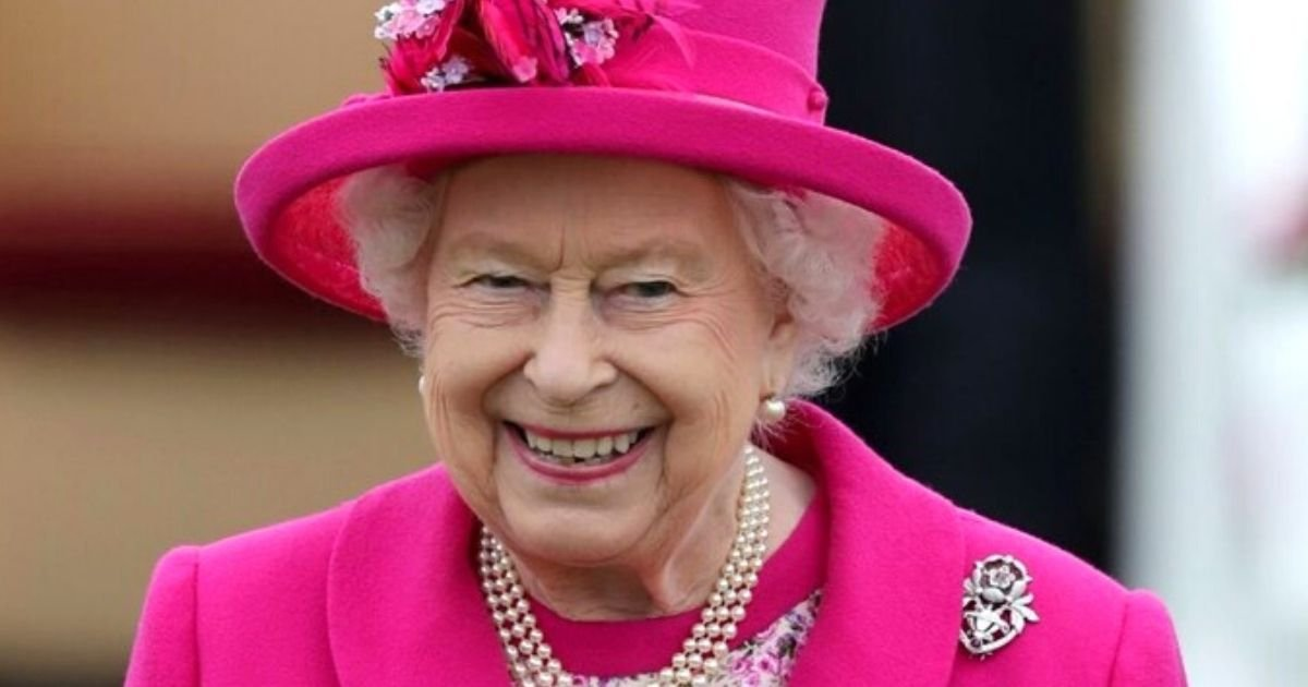 queen5 1.jpg?resize=412,232 - The Queen Has A 'Favorite Son' And It Has Caused A Huge Rift Between The Brothers