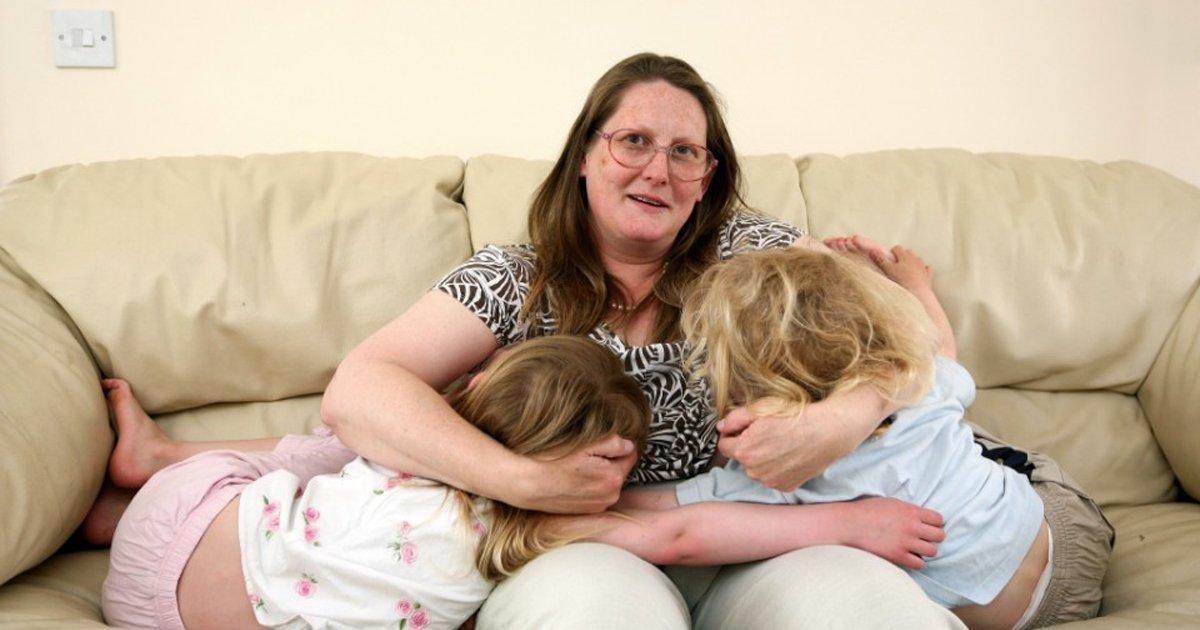 t1.jpg?resize=1200,630 - Breastfeeding Addict Mum Says She Reserves One B**b For Each Of Her Grown Kids To 'Enjoy'