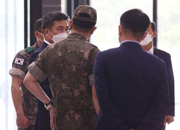 여군 성추행에 불법촬영까지… '군대 내 성폭력' 끊이지 않는 이유는 - 조선비즈