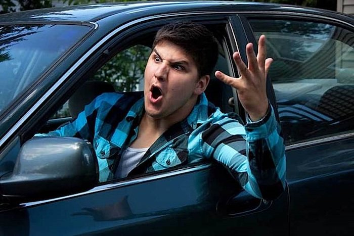 혹시 나? 보복 운전 유발하는 무개념 운전자 - 오토헤럴드