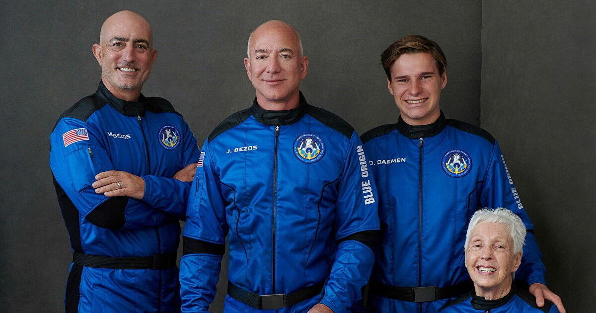 """q3 47.jpg?resize=1200,630 - """"You Guys Paid For All Of This""""- Jeff Bezos Roasted For Thanking Amazon For Funding Space Trip"""