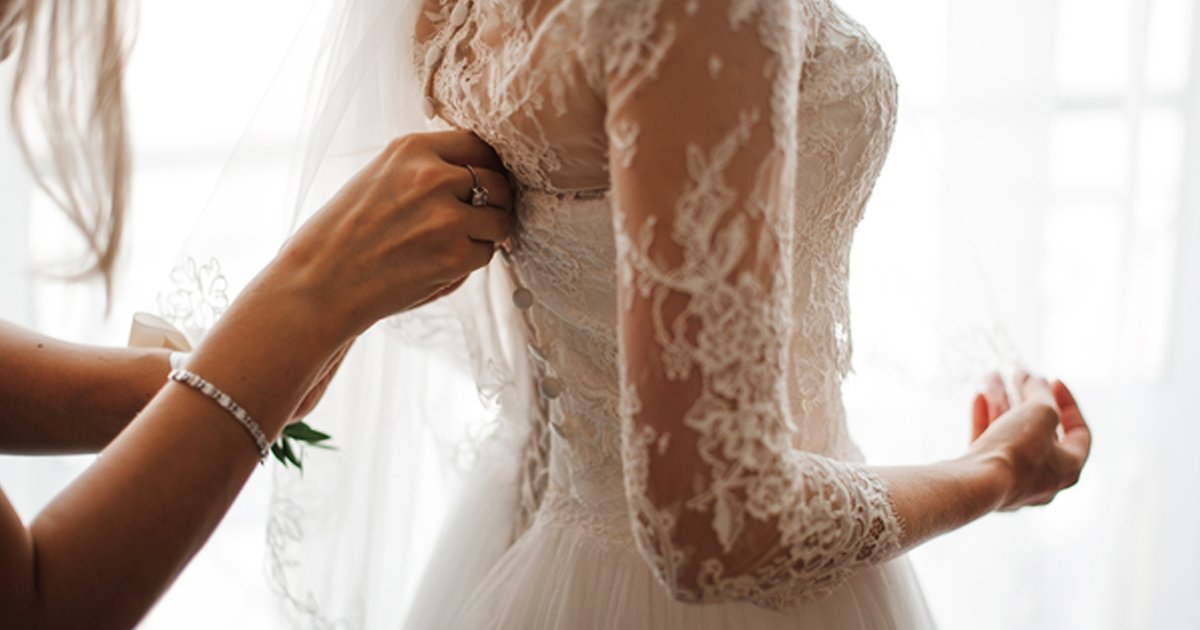 """q6 1.jpg?resize=1200,630 - """"You're Too FAT To Be A Bridesmaid Anyway""""- Bride SLAMS Cousin For Refusing Request To Be Bridesmaid"""