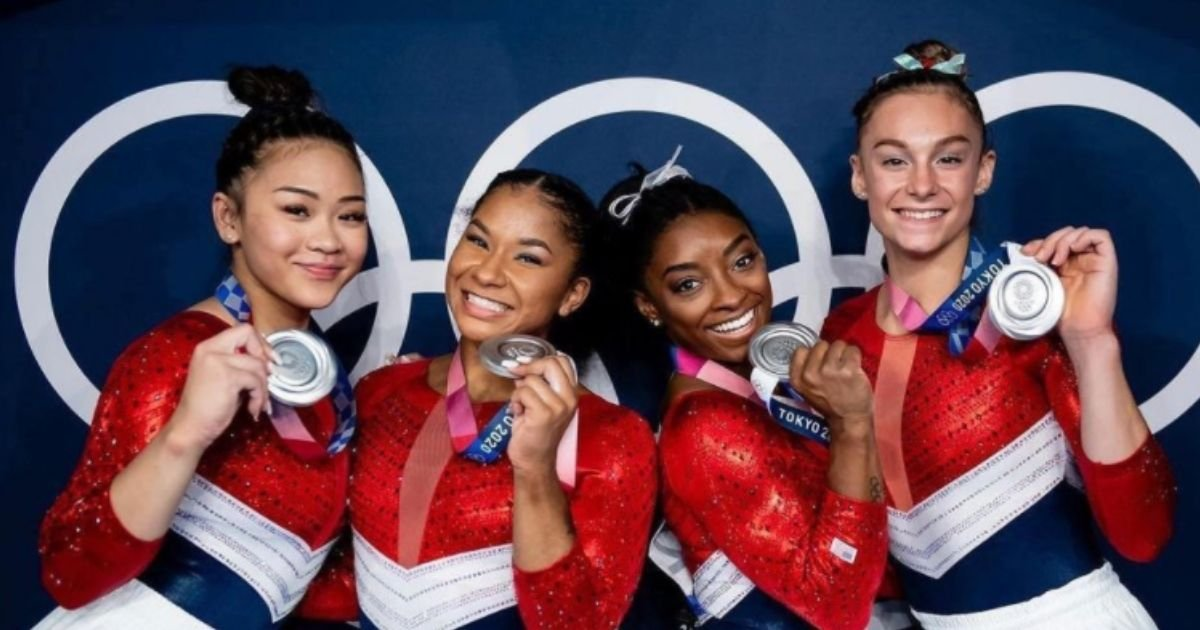 usa5.jpg?resize=1200,630 - Gymnastics Superstar Simone Biles Praises Her Olympic Teammates For 'Stepping Up When I Couldn't' After She Withdrew From Team Final