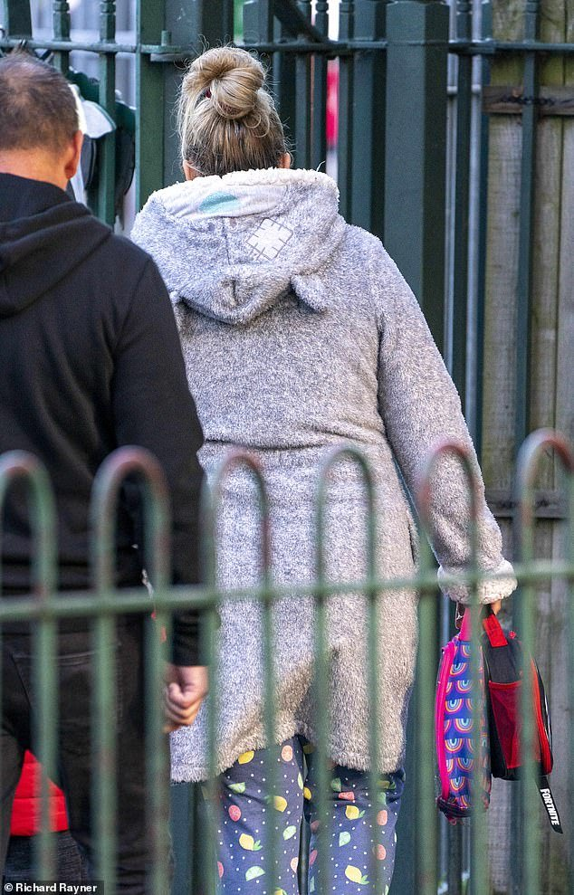 One mother who was spotted wearing a fleecy