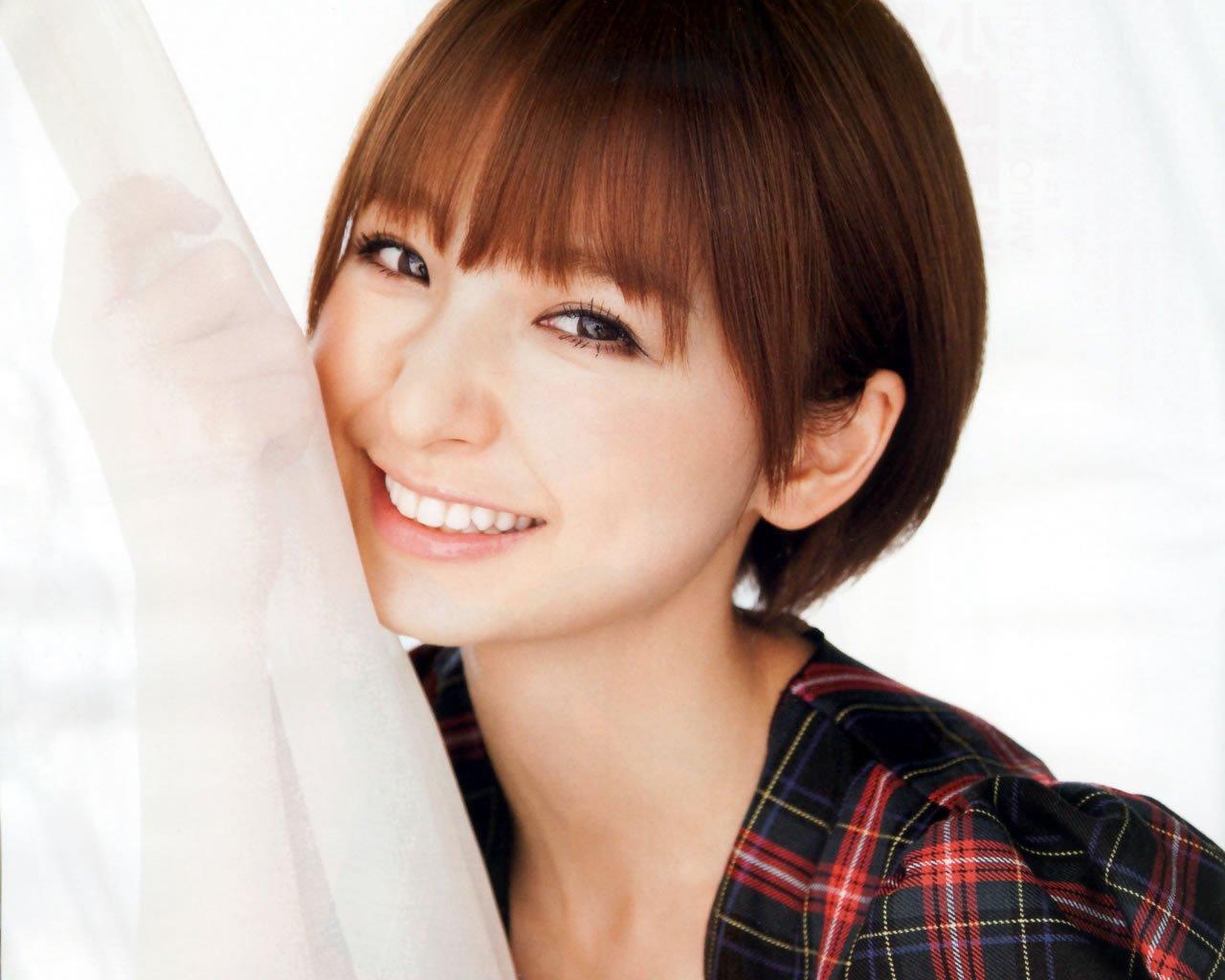 I0004673 13 - AKB48篠田麻里子の現在の姿は?
