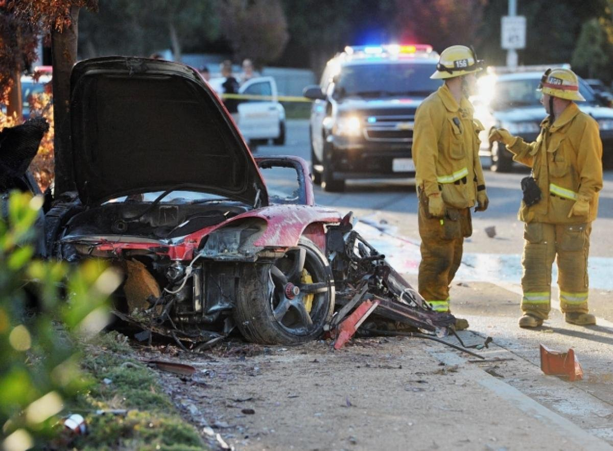 ポール・ウォーカーの乗っていたポルシェの事故